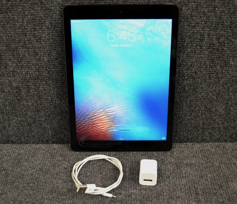 APPLE Tablet A1475