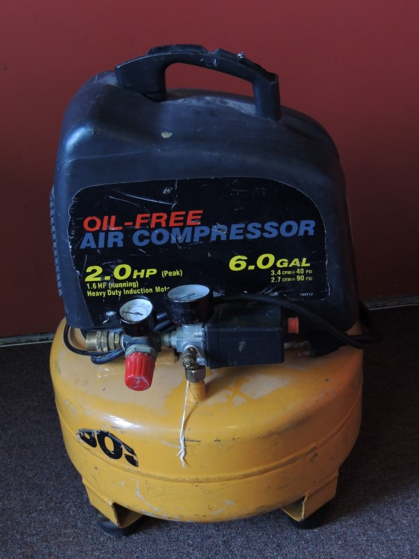 BOSTITCH Air Compressor 6.0 GALLON PANCAKE COMPRESSOR