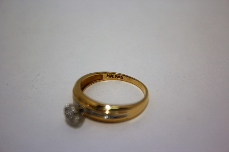 Lady's Diamond Engagement Ring 15 Diamonds .110 Carat T.W. 14K Yellow Gold 2.7g