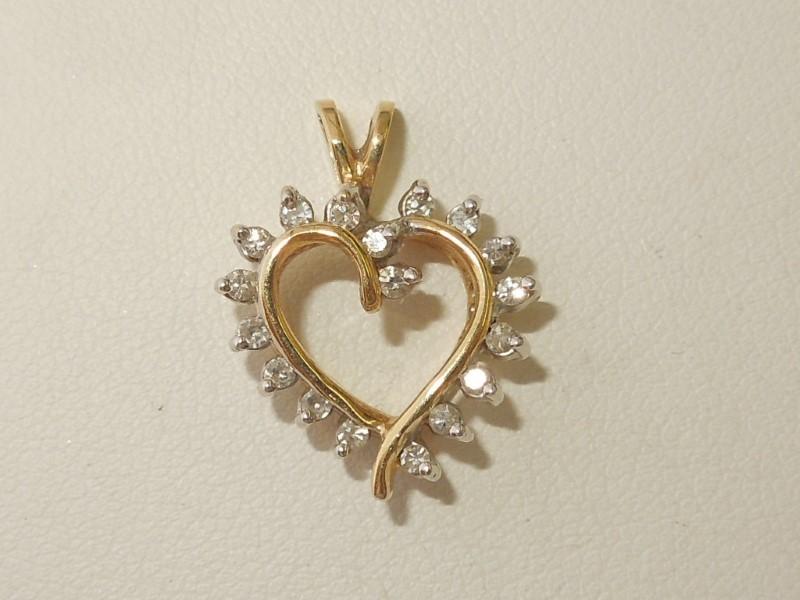 Gold-Multi-Diamond Pendant 18 Diamonds .18 Carat T.W. 14K Yellow Gold 2.3g