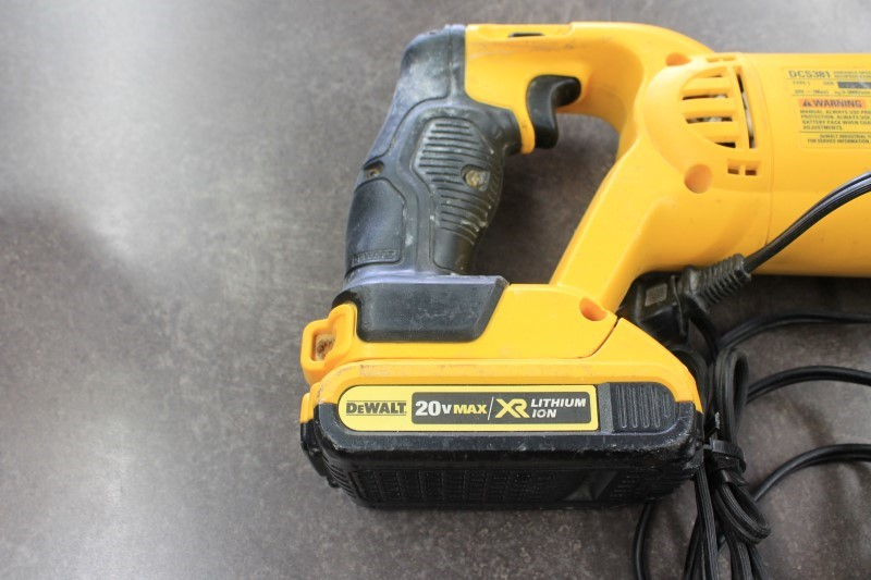 DEWALT Reciprocating Saw DCS381