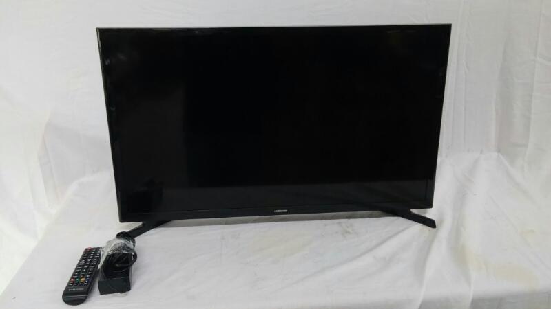 SAMSUNG Flat Panel Television UN32J4000AF