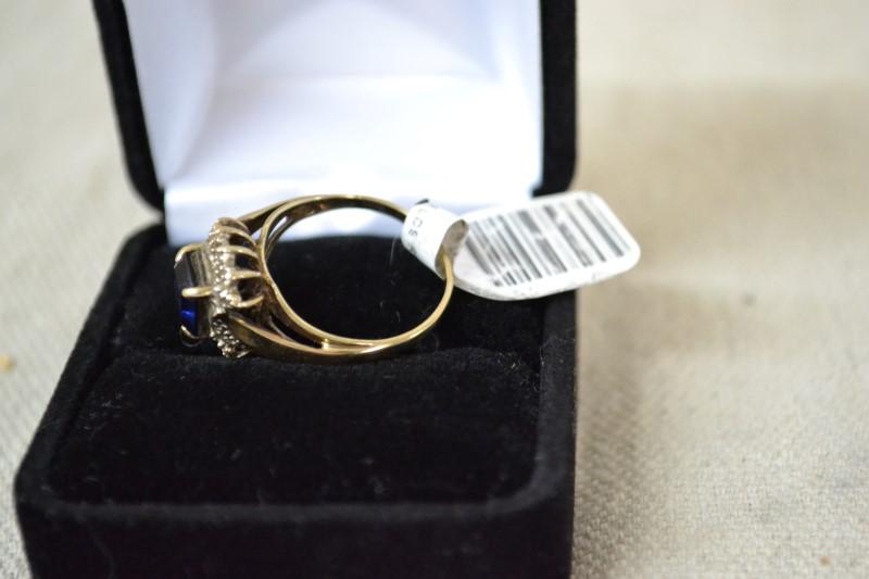 Blue Stone Lady's Stone & Diamond Ring 5 Diamonds .05ctw 10KYG
