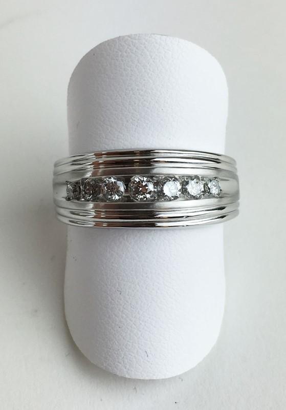 Gent's Platinum-Diamond 7 Diamonds .58 Carat T.W. 950 Platinum 9.58g