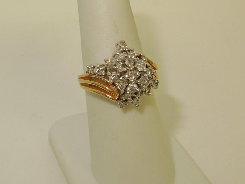 Lady's Diamond Cluster Ring 21 Diamonds .25 Carat T.W. 14K Yellow Gold 6.3g
