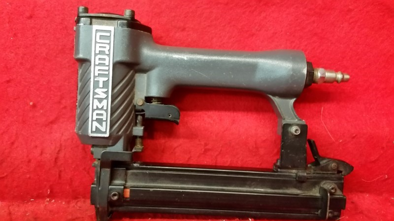 Sears Craftsman 183-18309 18ga Brad Nailer / Nail Gun