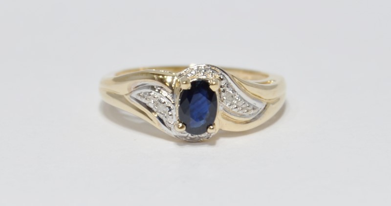 10K Yellow Gold Bypass Shank Oval Sapphire & Diamond Ring Size 6.5