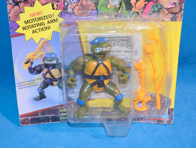 PLAYMATES TOYS 5611 WACKY ACTION TURTLES SWORD SLICIN' LEONARDO