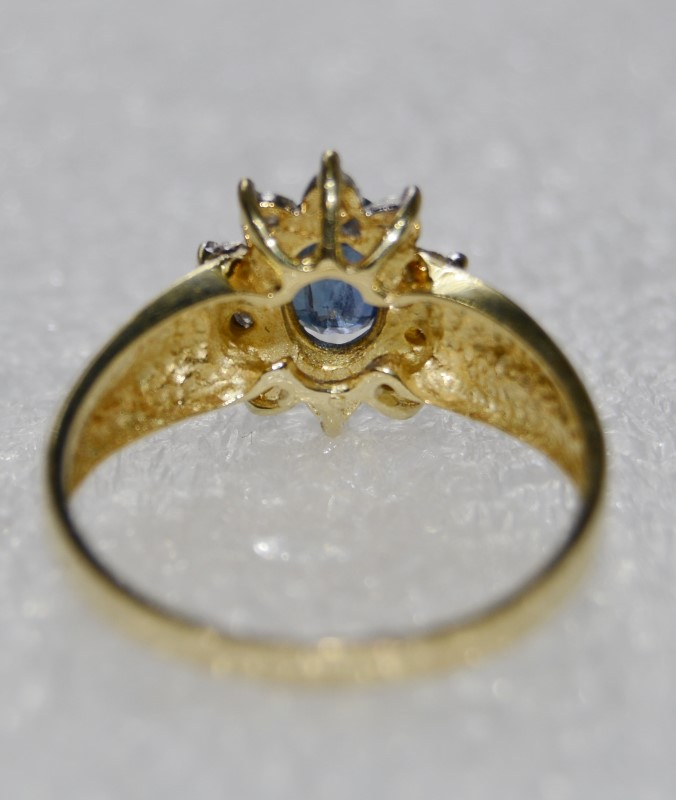 10K Yellow Gold Bypass Ridge Shank Tanzanite & Diamond Halo Sunburst Ring 5.75