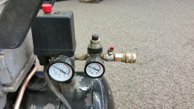 CENTRAL PNEUMATIC Air Compressor 40400