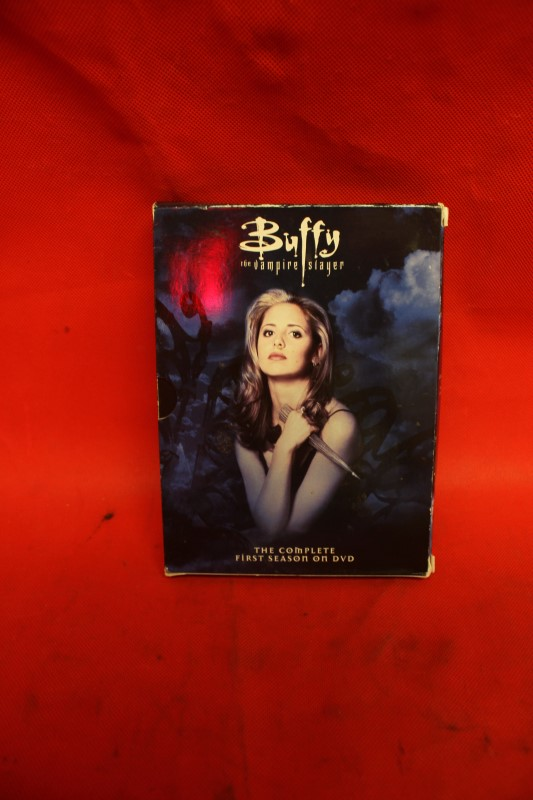 Buffy the Vampire Slayer - The Complete First Season Slim Set