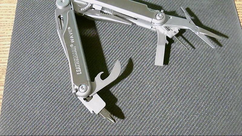 LEATHERMAN Pocket Knife WAVE Multitool