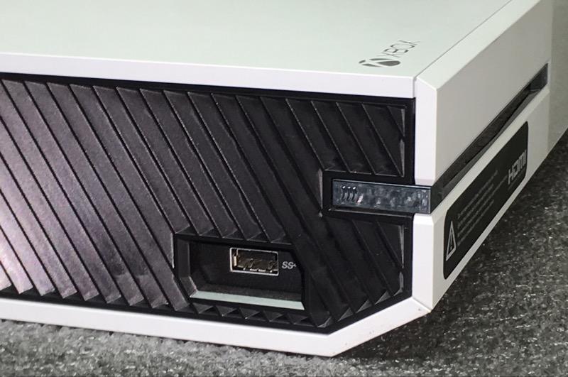 MICROSOFT XBOX ONE 500GB MODEL 1540 - WHITE - BUNDLE