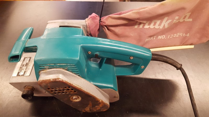 MAKITA Belt Sander 9900B BELT SANDER W/DUST BAG
