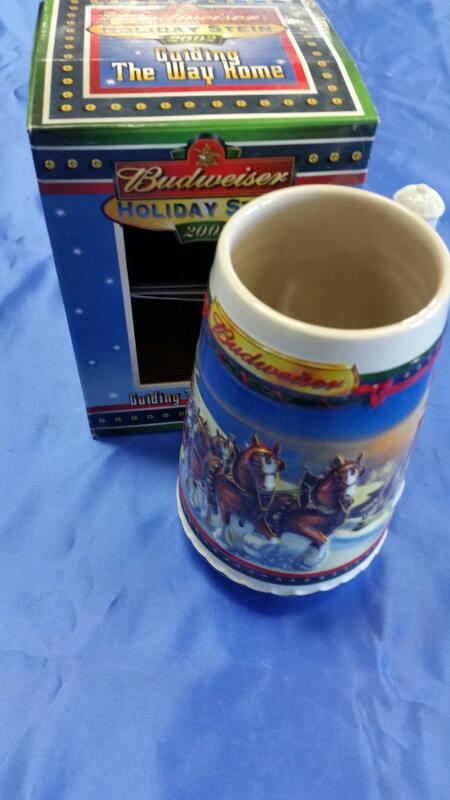 BUDWEISER Miscellaneous Appliances 2002 HOLIDAY STEIN