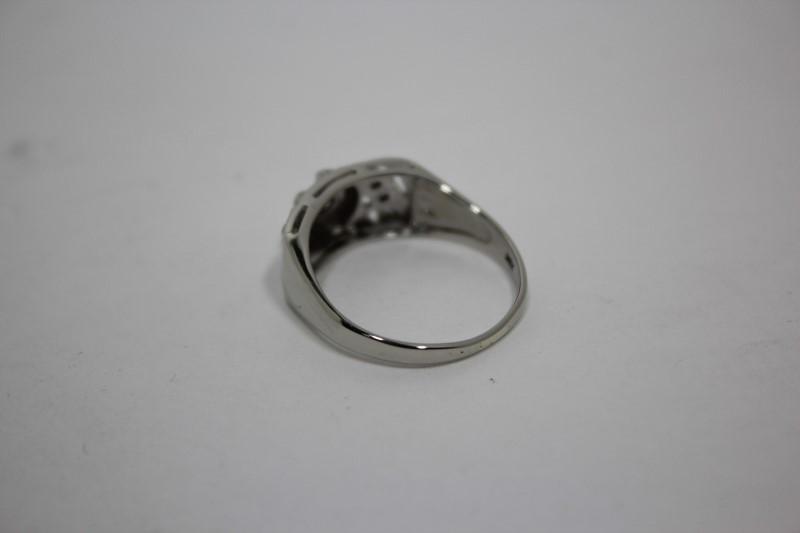 Lady's Diamond Fashion Ring 7 Diamonds .11 CTW 14K White Gold 3.4g Size: 8.5