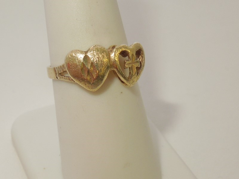 Lady's Gold Ring 10K Yellow Gold 2.3g Size:5