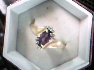 Synthetic Agate Lady's Stone Ring 10K Yellow Gold 1.56g