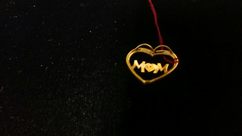 "Gold Pendant 10K Yellow Gold 1g ""MOM"""