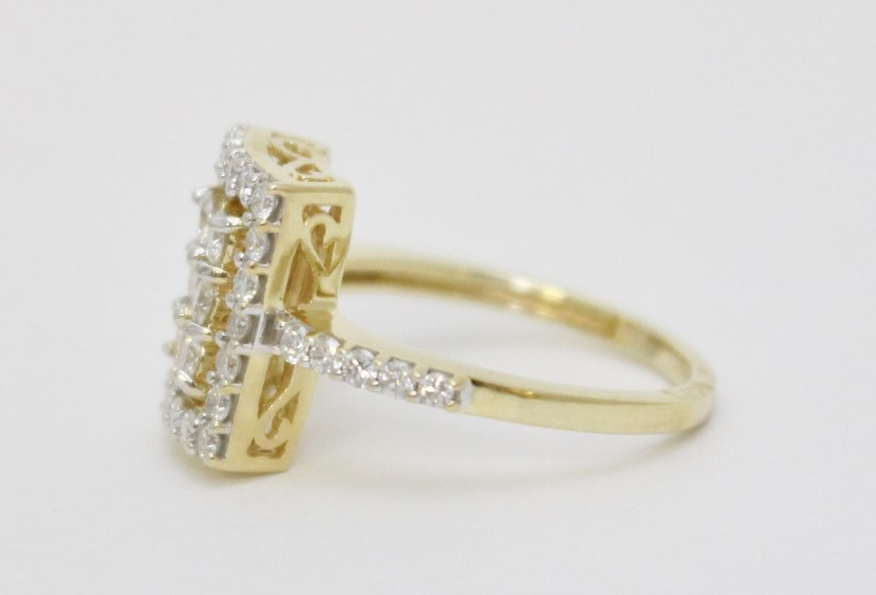 14K Yellow Gold Round Diamond Shank & Cluster Fligree Detail Statement Ring sz 7