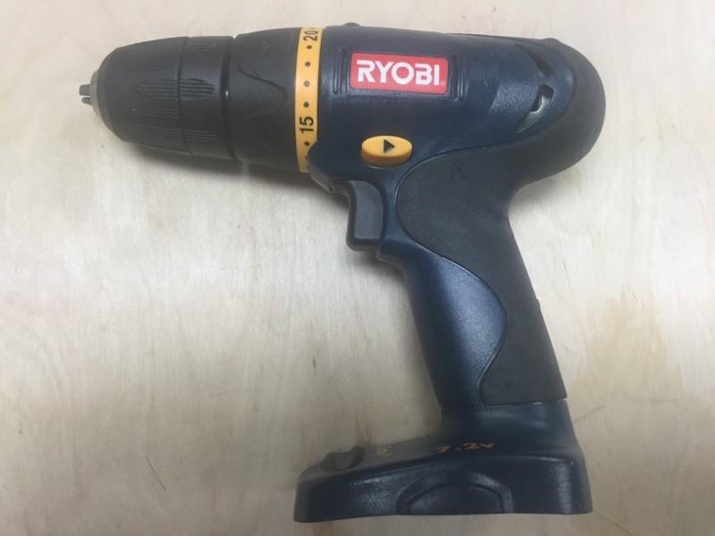 "RYOBI 7.2V 3/8"" CORDLESS DRILL-DRIVER HP472"