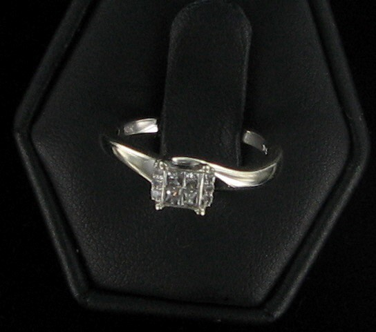 Lady's Diamond Fashion Ring 10 Diamonds .26 Carat T.W. 14K White Gold 1.7dwt