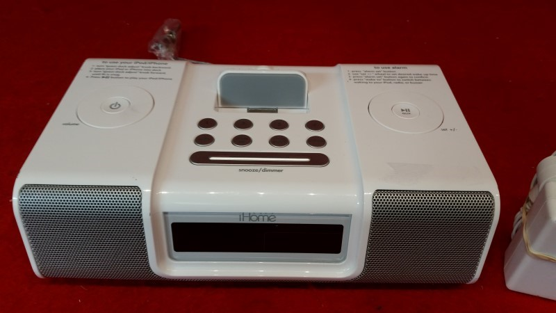 iHome Model HiP9 White Alarm Clock Radio - Fit's iPod iPhone 3 / 3GS / 4