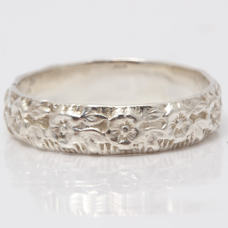 Sterling Silver Floral Designed Band Size 8.75