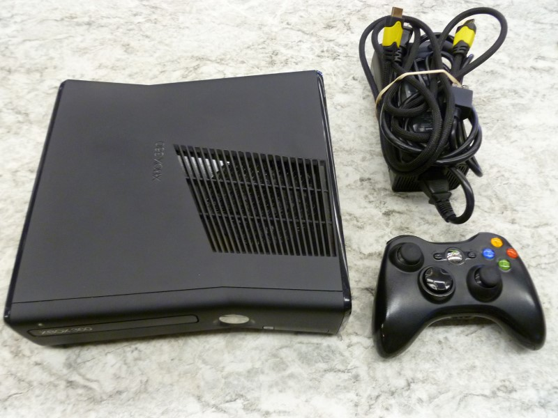 MICROSOFT 1439 250GB BLACK XBOX 360 SLIM WITH ONE CONTROLLER, HDMI & POWER CORD