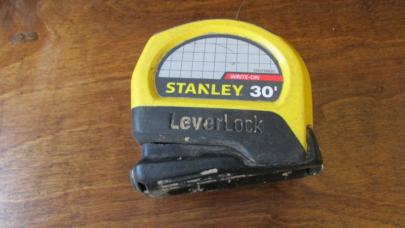 STANLEY 30FT TAPE MEASURE