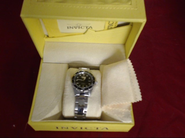 INVICTA Gent's Wristwatch 8932