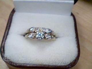 Lady's Diamond Cluster Ring 7 Diamonds .19 Carat T.W. 14K Yellow Gold 4.1g