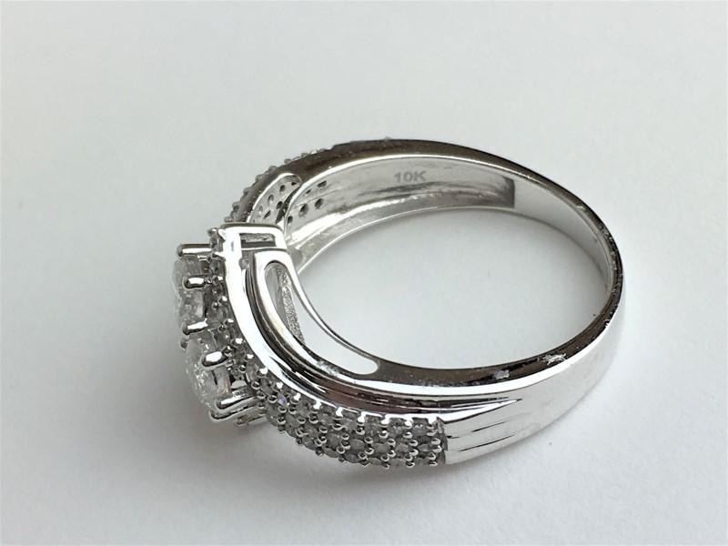 Lady's Diamond Wedding Set 62 Diamonds 1.10 Carat T.W. 10K White Gold 4.32g