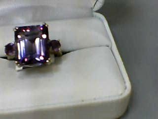 Amethyst Lady's Stone Ring 10K Yellow Gold 3.3dwt Size:7
