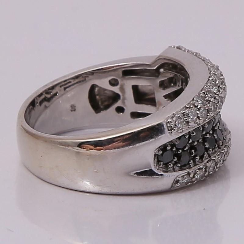 18K White Gold Round Brilliant Diamond Fashion Ring Size 6.75