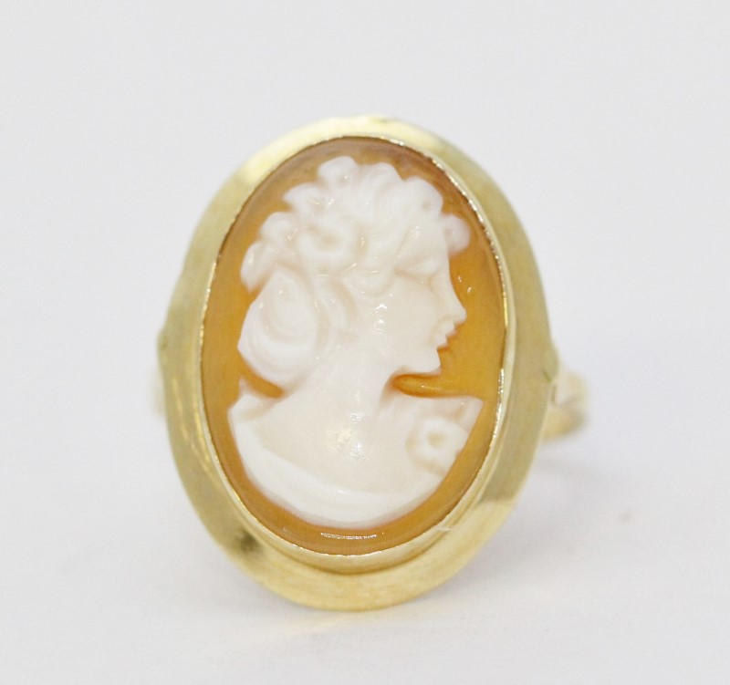 14K Yellow Gold Vintage Classic Carnelian Shell Orange Cameo Full Bezel Ring sz7