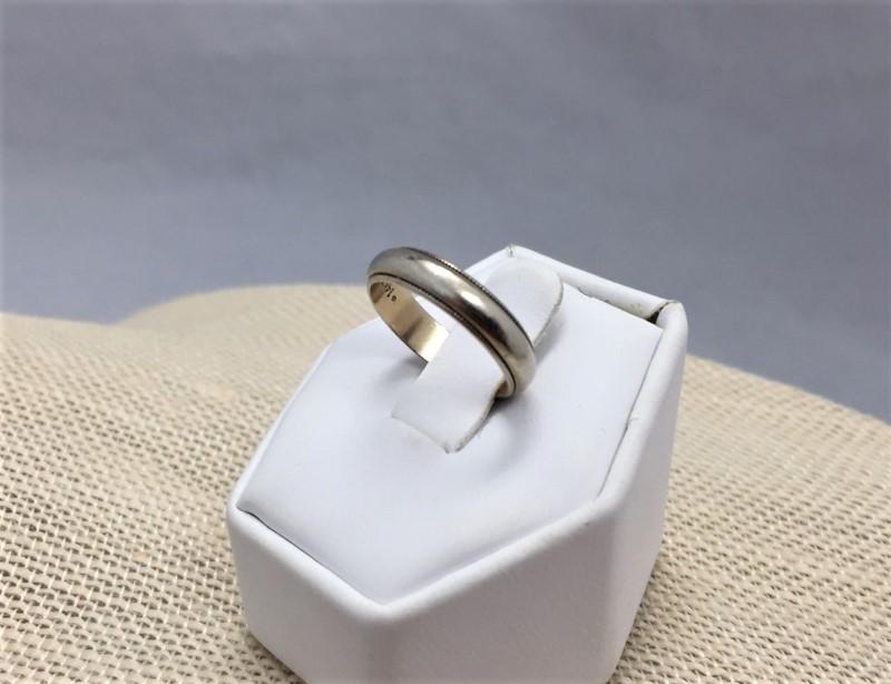 Unisex Wedding Ring 14K White Gold 2.79g Size: 4.8