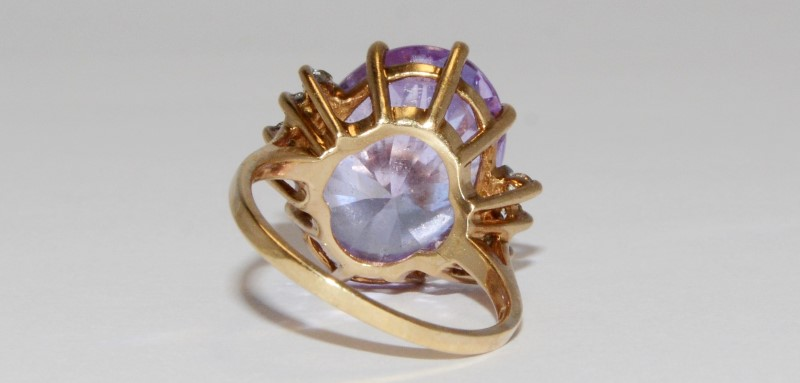10K Women's Yellow Gold Oval Cut Amethyst & CZ Cocktail Ring Size 6