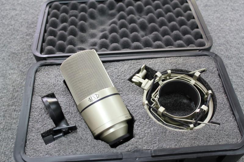 MXL Microphone 990
