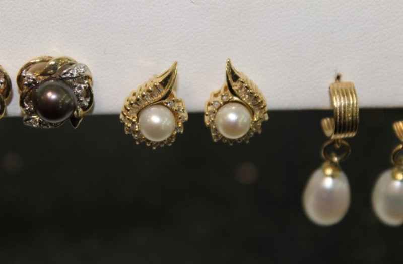5mm White Pearl Round and Baggette Diamond Stud Earrings