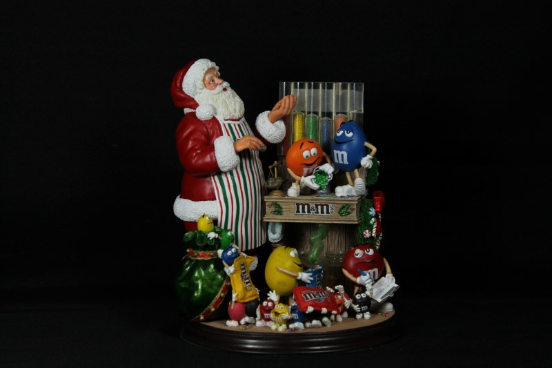 Danbury Mint M&M Santa Claus Christmas Holiday Figurine