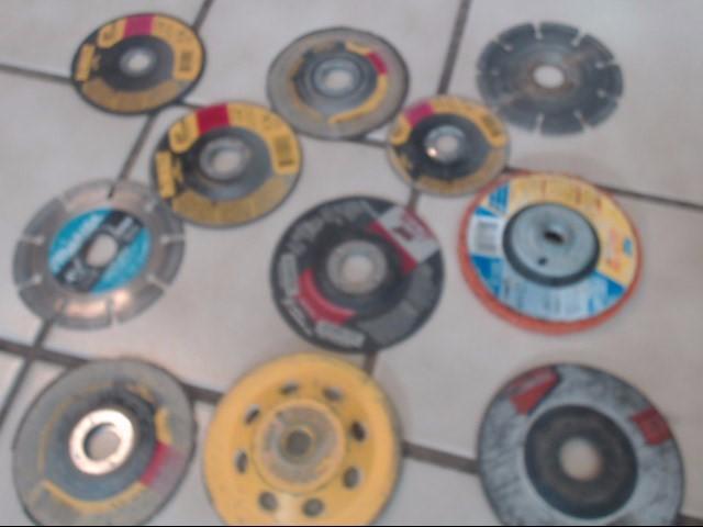 MAKITA Disc Grinder 9557NB DISC GRINDER