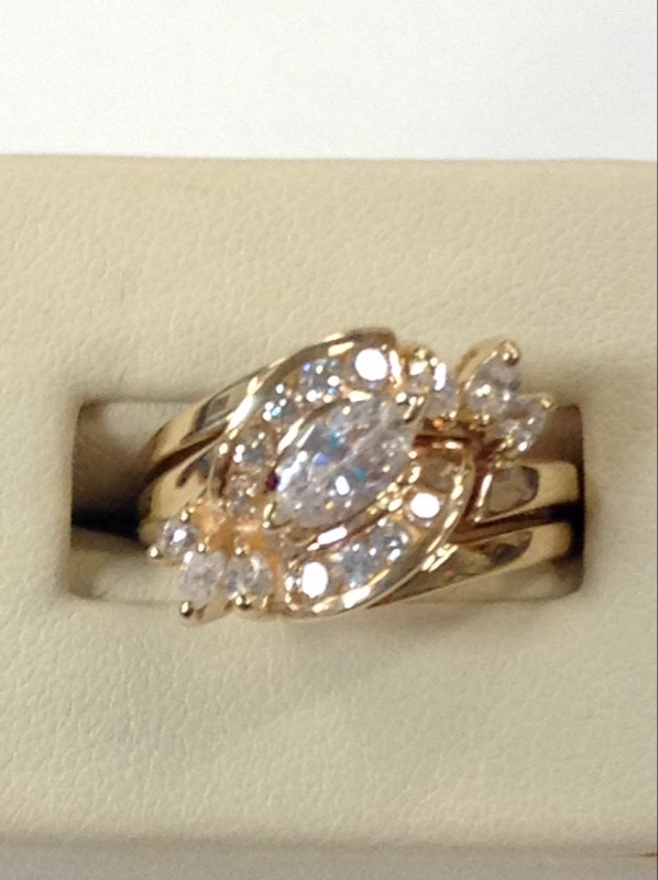 Synthetic Cubic Zirconia Lady's Stone Ring 14K Yellow Gold 7g