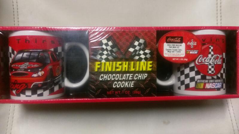 FINISH LINE NASCAR MUG SET 2004 COKE NASCAR TWO MUG SET