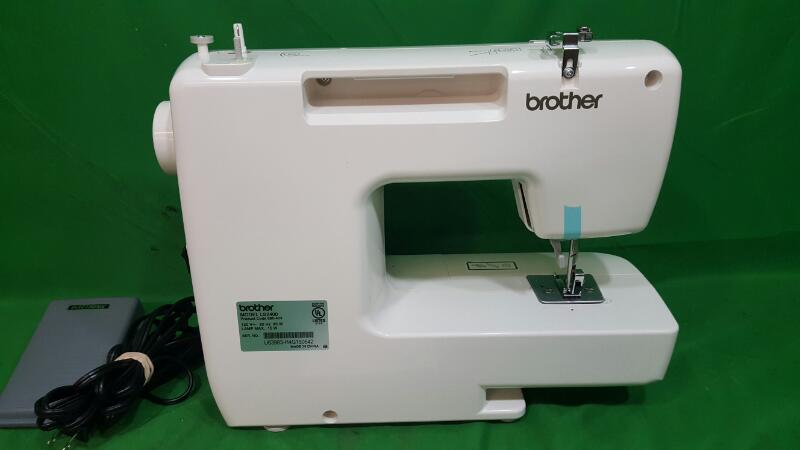 Brother 20-Stitch LS2400 2 Stitch Full Size Sewing Machine 3 Needle Positions