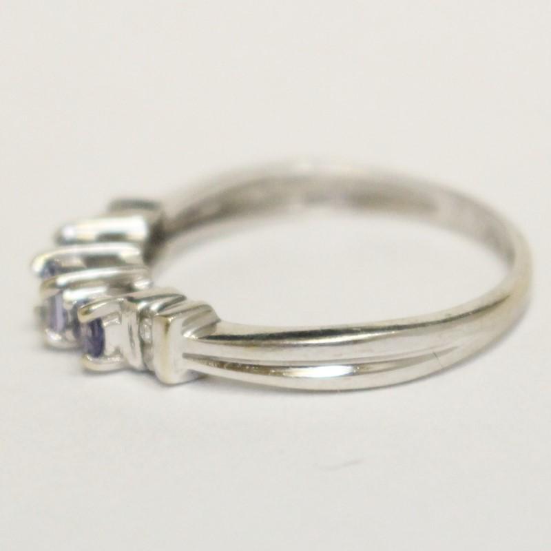 10K White Gold Tanzanite & Diamond Ring Size 6.75
