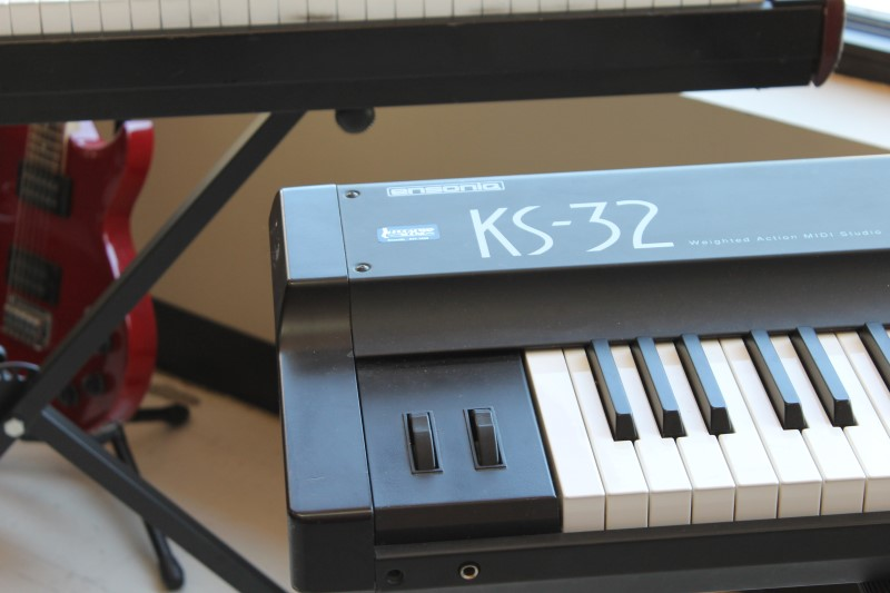 ENSONIQ Synthesizer KS-32 WEIGHTED ACTION MIDI STUDIO