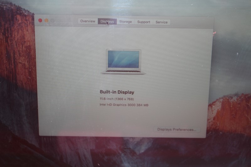 "MacBook Air 11"" A1370 Mid 2011 4GB RAM 60.7 GB Flash HD 1.6Ghz i5"