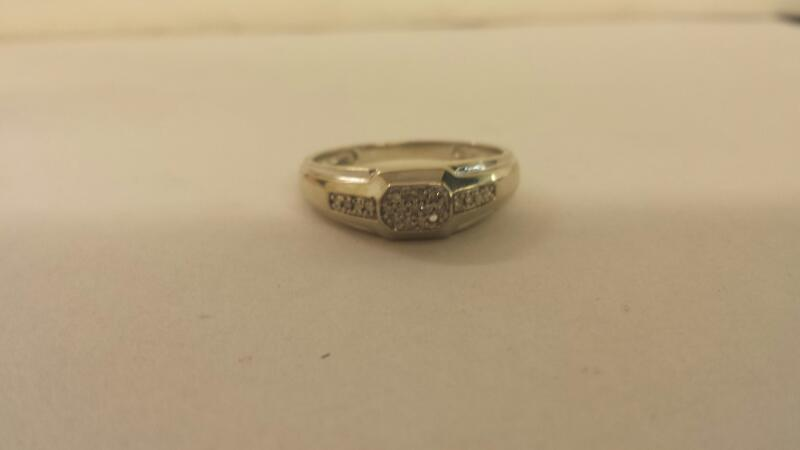 Gts 10K-W/G Diamond Fashion Ring 21 Diamonds (1) Missing