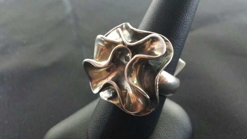 Lady's Flower Design Silver Ring 925